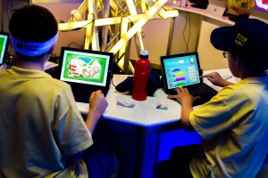 Stimulating learning through educational games